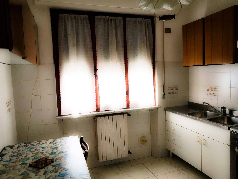 Appartamento in vendita, rif. V2815