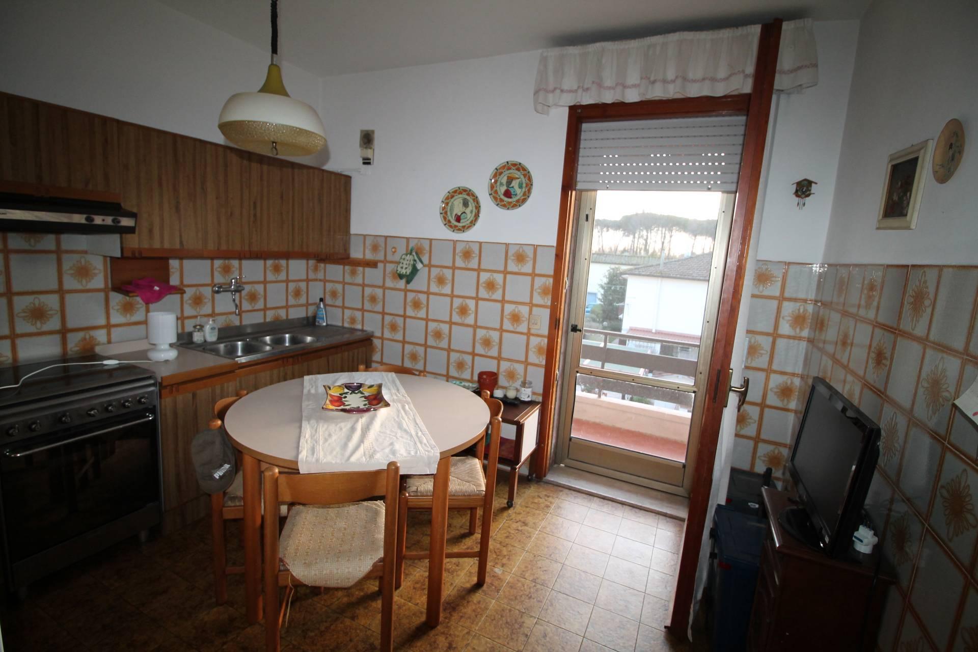 Appartamento in vendita, rif. V2830B