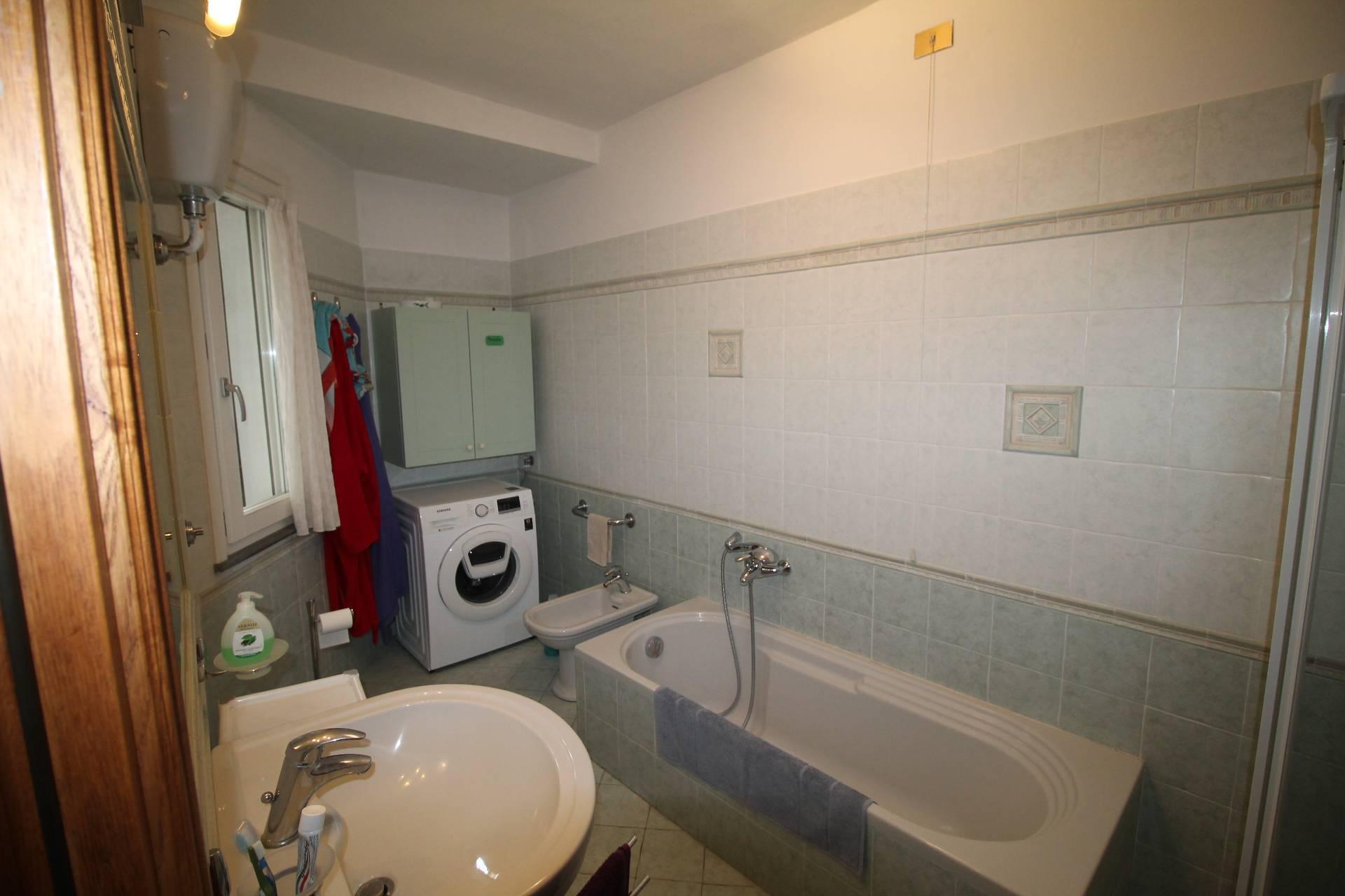 Appartamento in vendita, rif. V2860B
