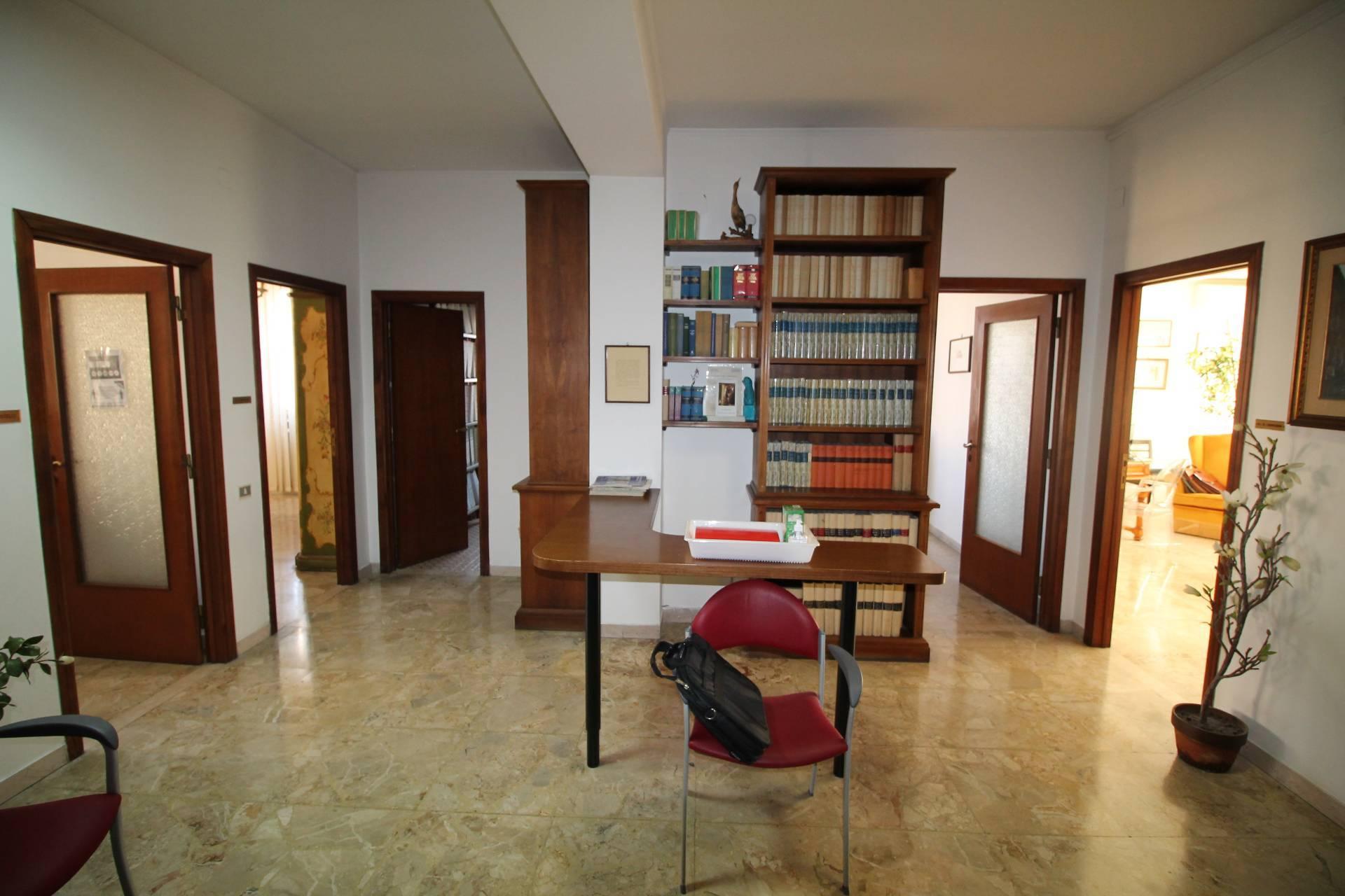 Appartamento in vendita, rif. v2865B