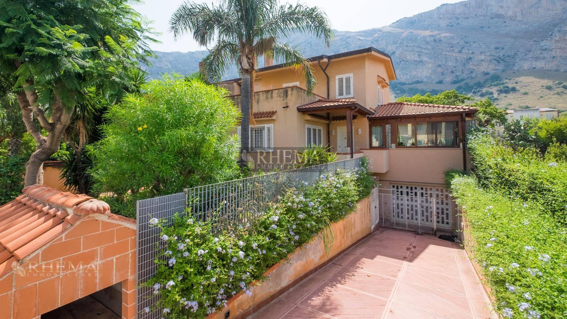 Villa in vendita a Isola delle Femmine, 5 locali, prezzo € 675.000 | Cambio Casa.it