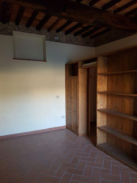 Ufficio / Studio in affitto a Cavriglia, 1 locali, zona Zona: Centro, prezzo € 300 | CambioCasa.it