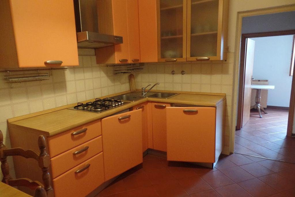 Appartamento in affitto a San Giovanni Valdarno, 3 locali, zona Zona: Centro, prezzo € 450 | Cambio Casa.it
