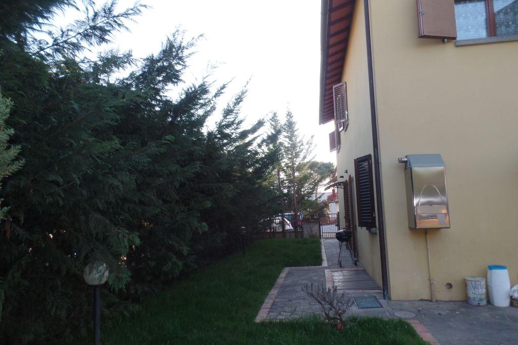Rustico / Casale in vendita a San Giovanni Valdarno, 4 locali, prezzo € 180.000 | Cambio Casa.it