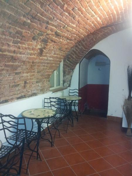 Negozio / Locale in vendita a Novara, 9999 locali, zona Zona: Centro, prezzo € 160.000   Cambio Casa.it