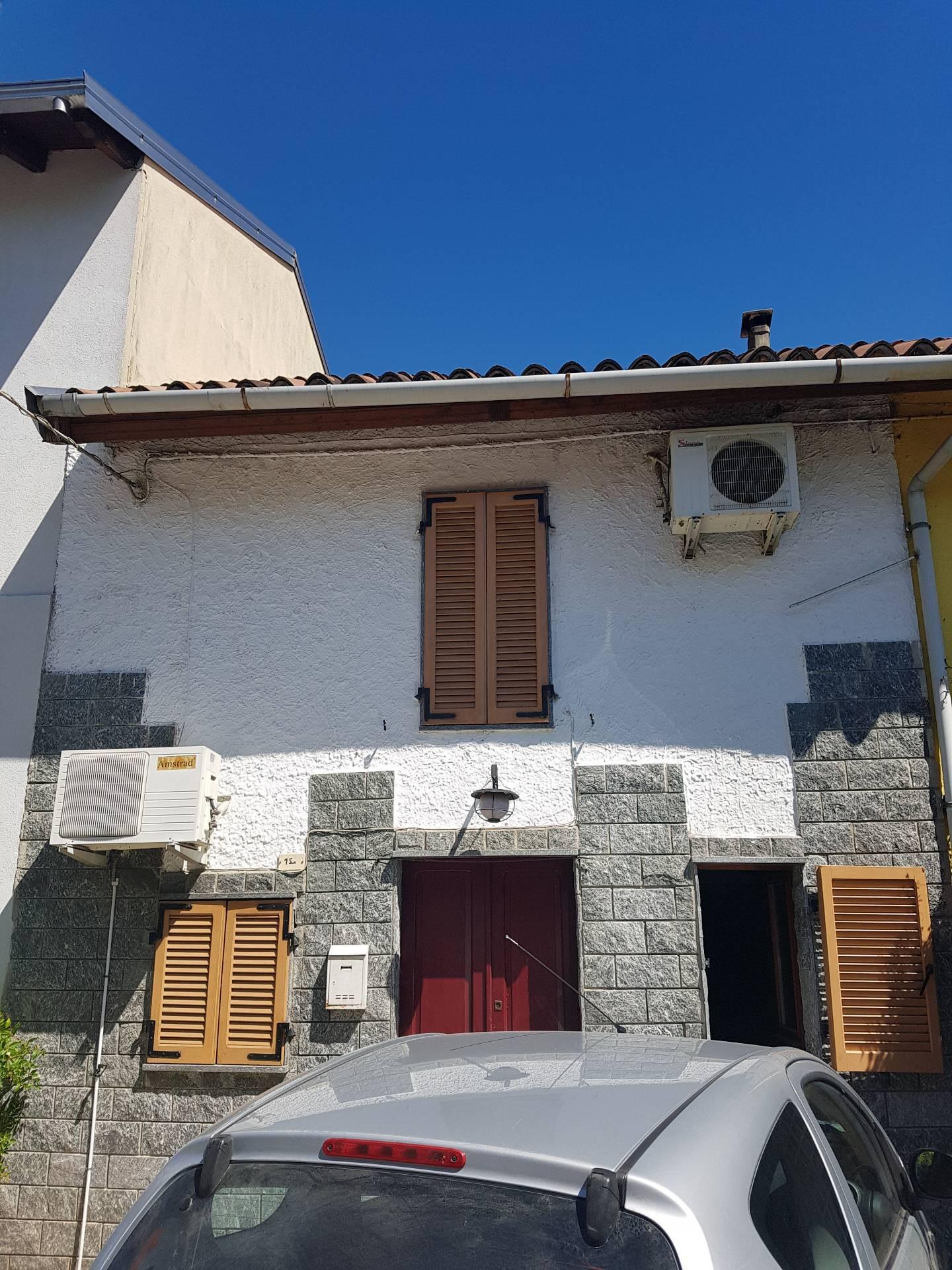 Soluzione Indipendente in vendita a Novara, 2 locali, zona Località: Bicocca, prezzo € 50.000   CambioCasa.it