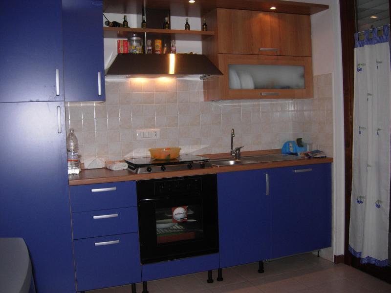 Appartamento in vendita a Monteforte d'Alpone, 3 locali, zona Zona: Monteforte, prezzo € 70.000 | CambioCasa.it