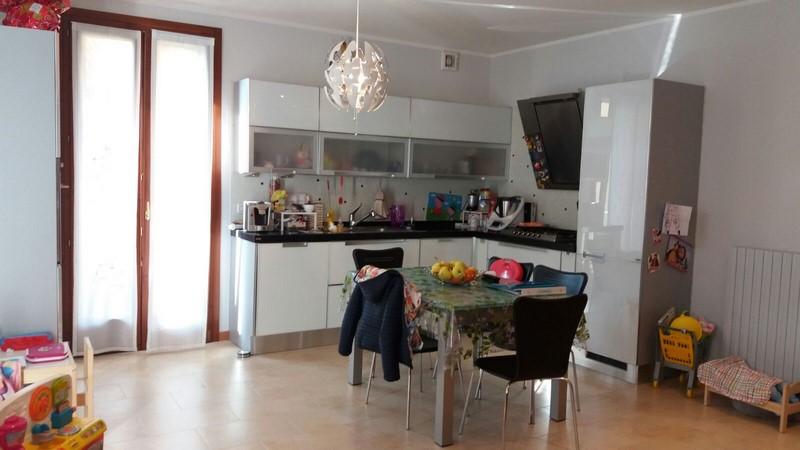 Appartamento in vendita a Montecchia di Crosara, 4 locali, prezzo € 180.000 | CambioCasa.it