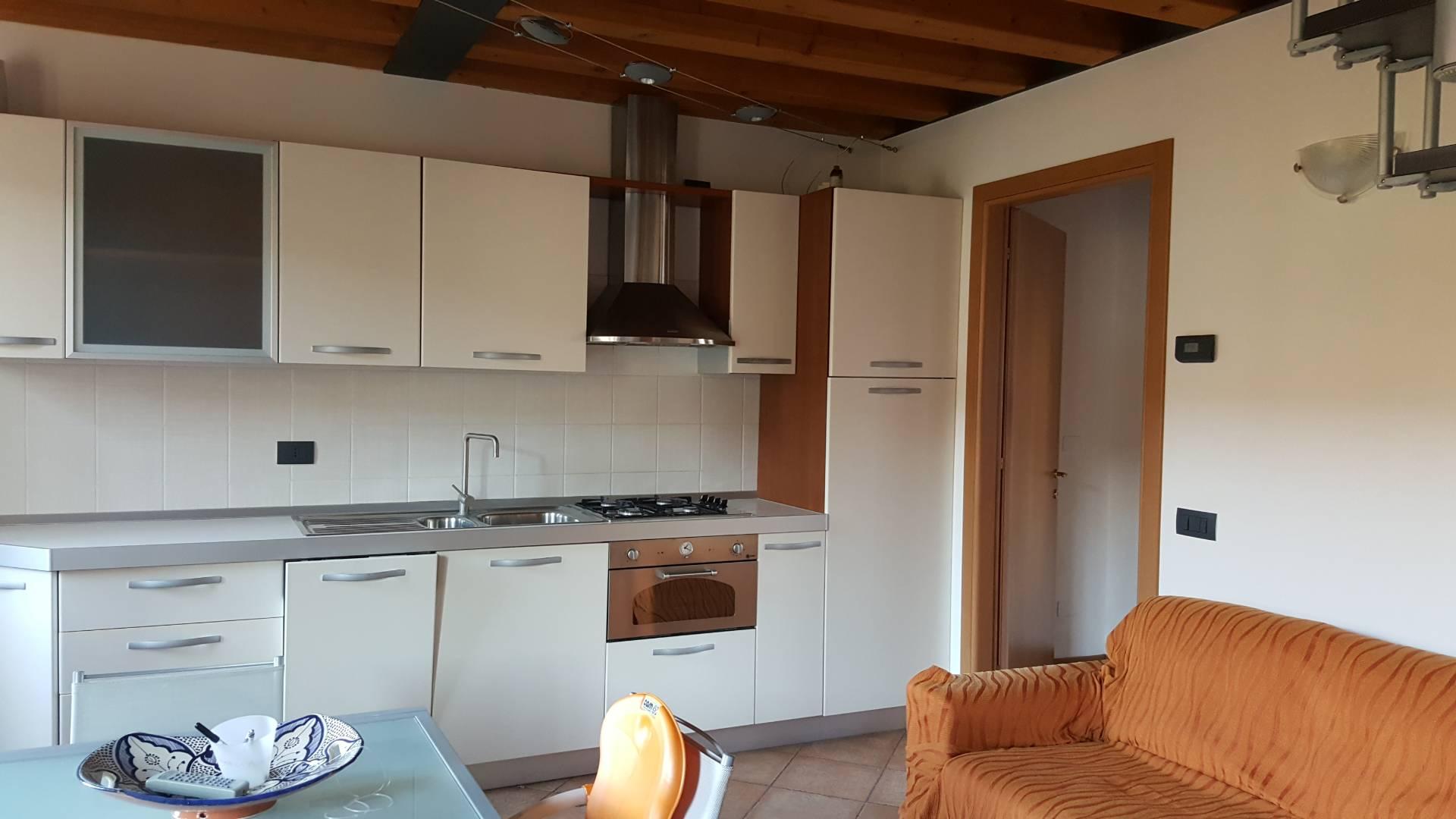 Appartamento in vendita a Soave, 3 locali, prezzo € 125.000   CambioCasa.it