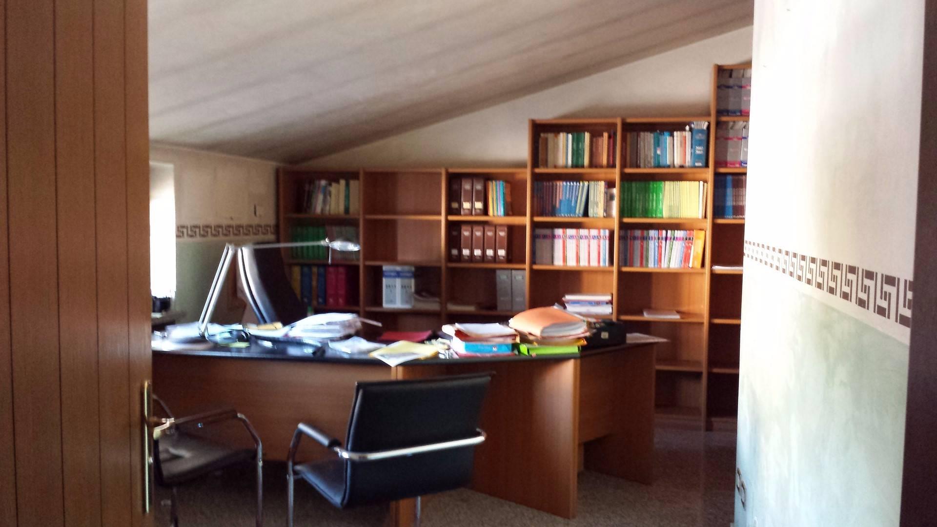 Ufficio / Studio in vendita a Colognola ai Colli, 9999 locali, prezzo € 160.000   Cambio Casa.it