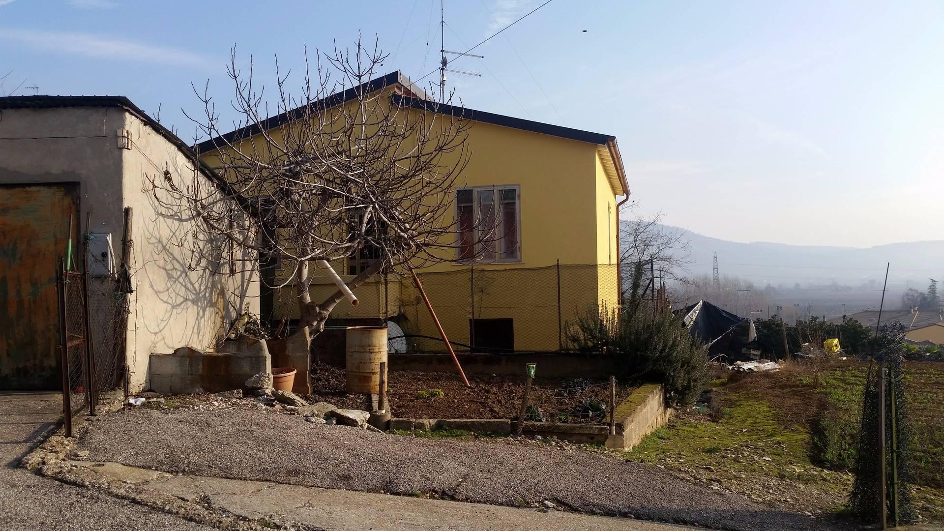 Villa in affitto a Colognola ai Colli, 4 locali, zona Località: SanVittore, prezzo € 400 | Cambio Casa.it