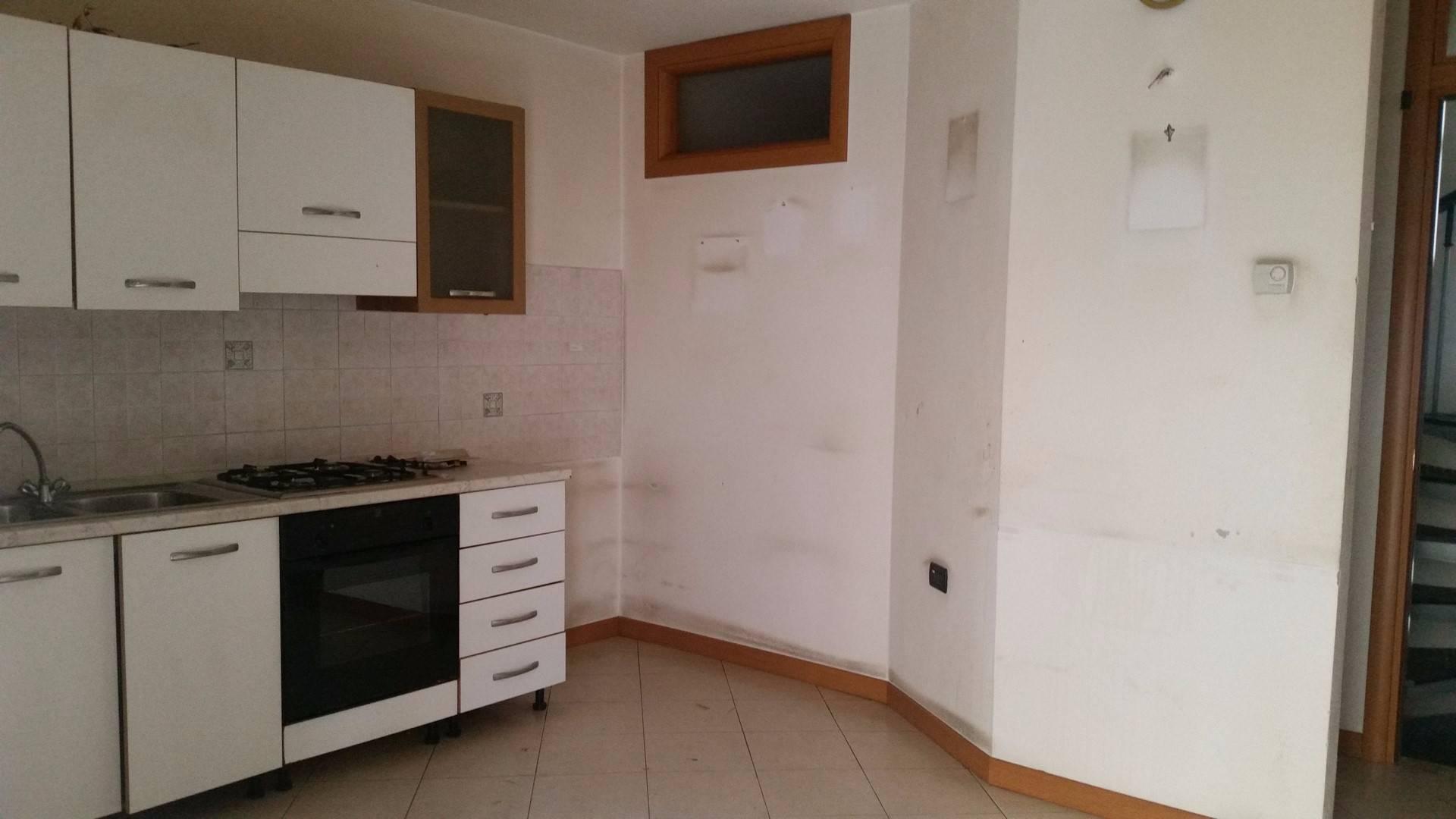 Altro in affitto a Monteforte d'Alpone, 4 locali, prezzo € 350 | Cambio Casa.it