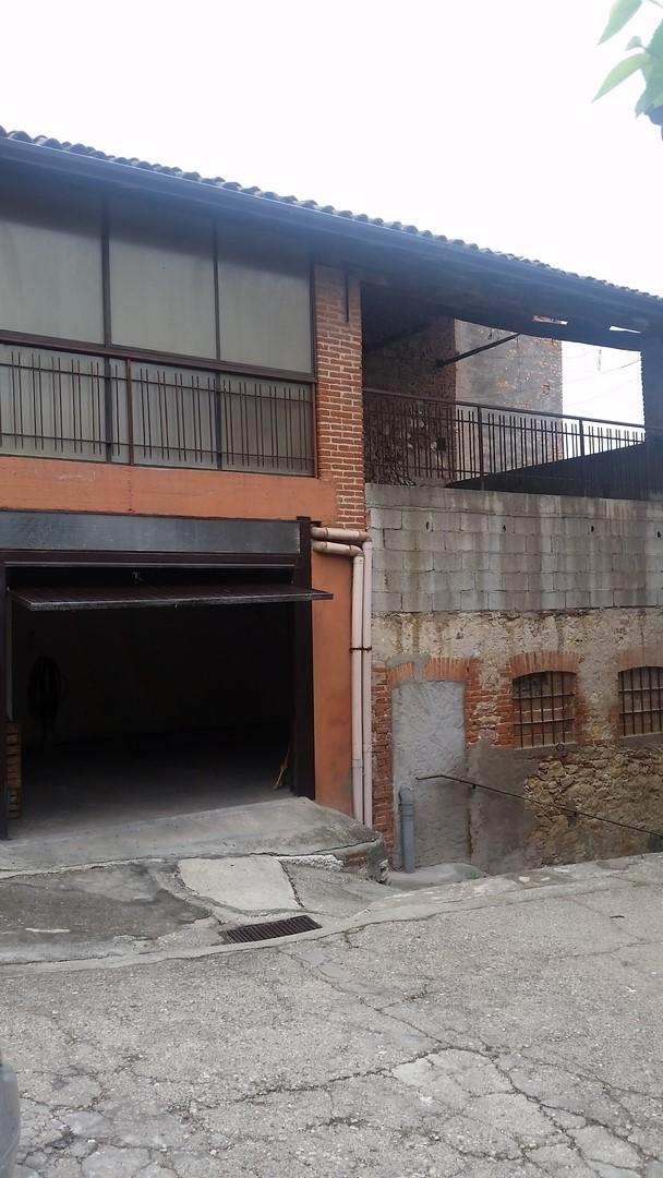 Rustico / Casale in vendita a Monteforte d'Alpone, 10 locali, prezzo € 75.000   Cambio Casa.it