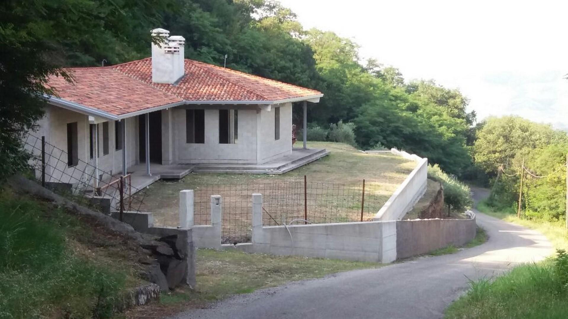Villa in vendita a Roncà, 10 locali, Trattative riservate | CambioCasa.it