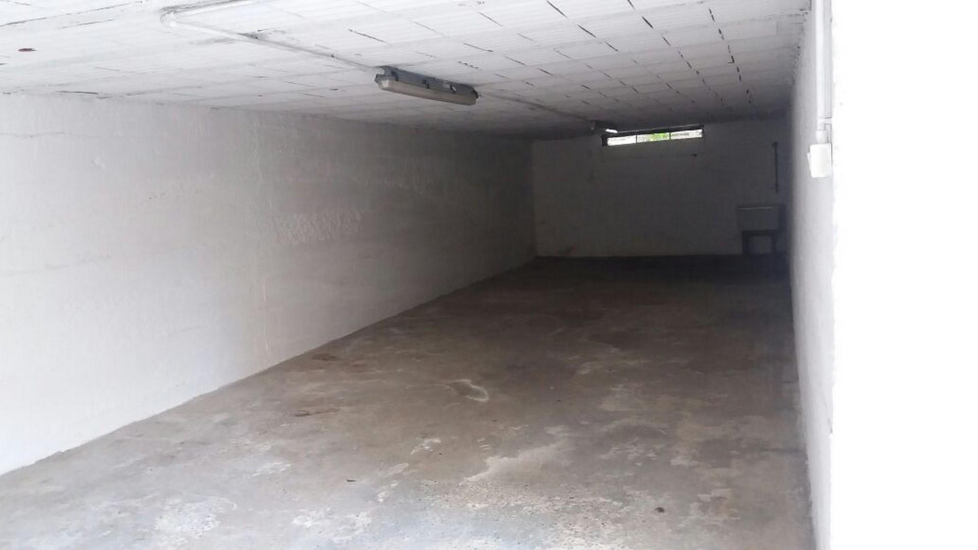 Box / Garage in vendita a Verona, 9999 locali, zona Località: BorgoRoma, prezzo € 22.000 | CambioCasa.it
