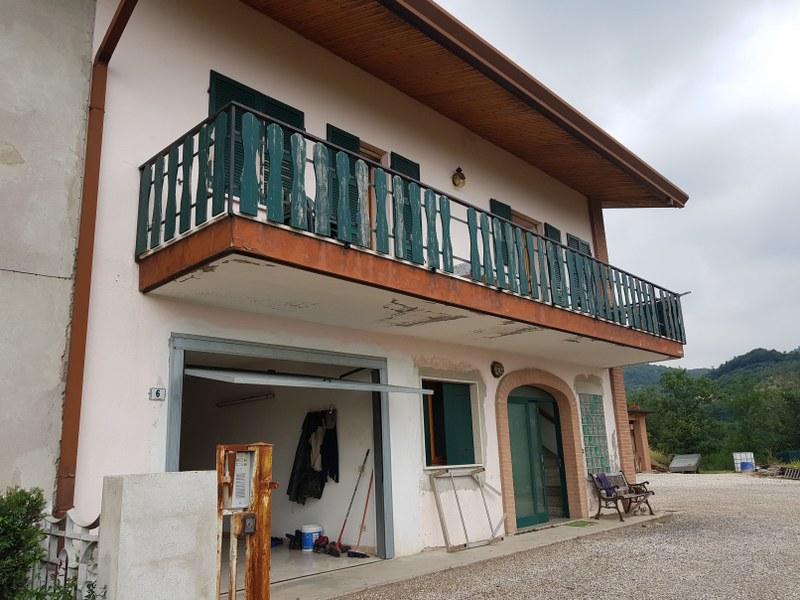 Villa Bifamiliare in vendita a Roncà, 5 locali, prezzo € 195.000 | CambioCasa.it