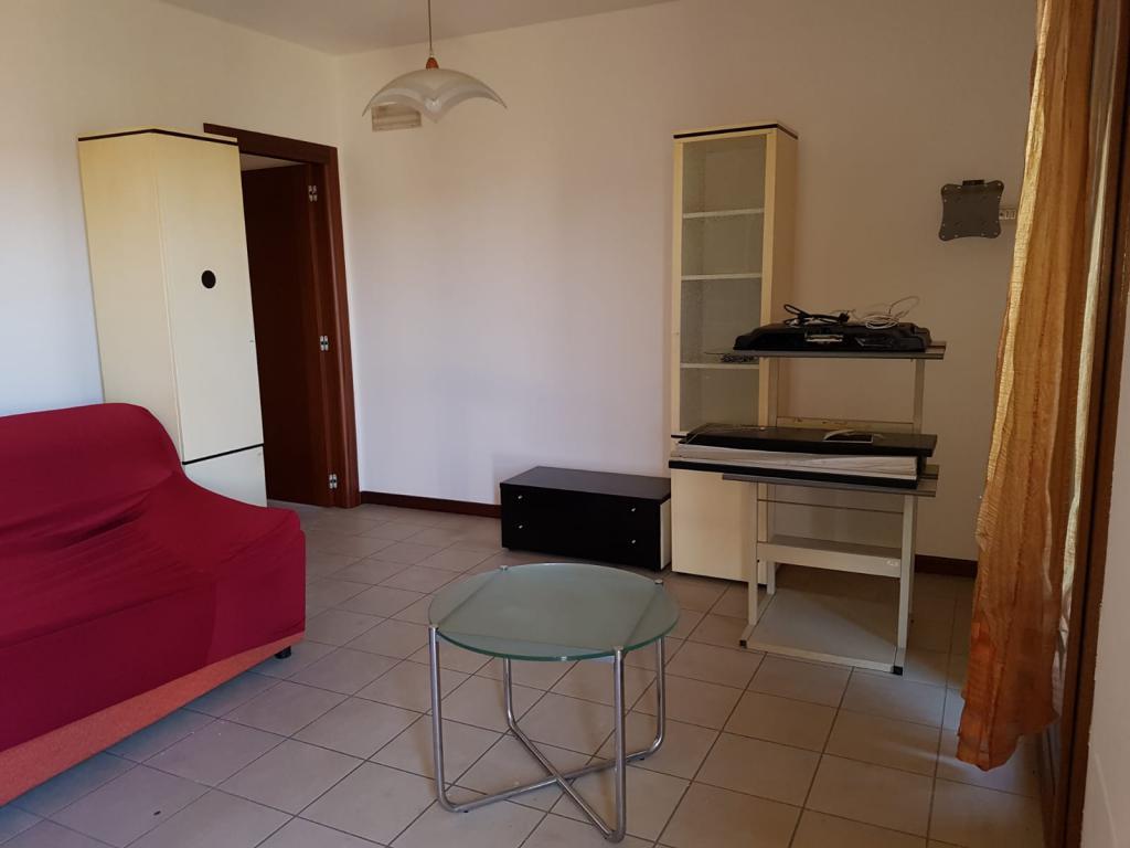 Appartamento in affitto a Veronella, 2 locali, prezzo € 500   CambioCasa.it