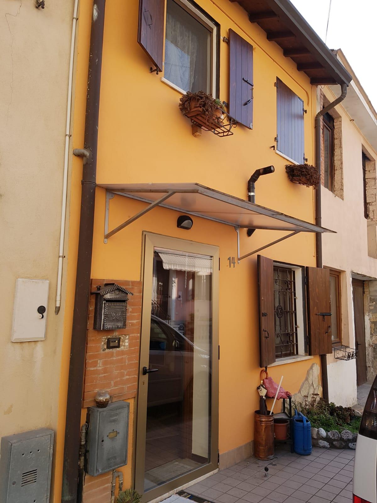 Rustico / Casale in vendita a Caldiero, 5 locali, prezzo € 125.000 | CambioCasa.it