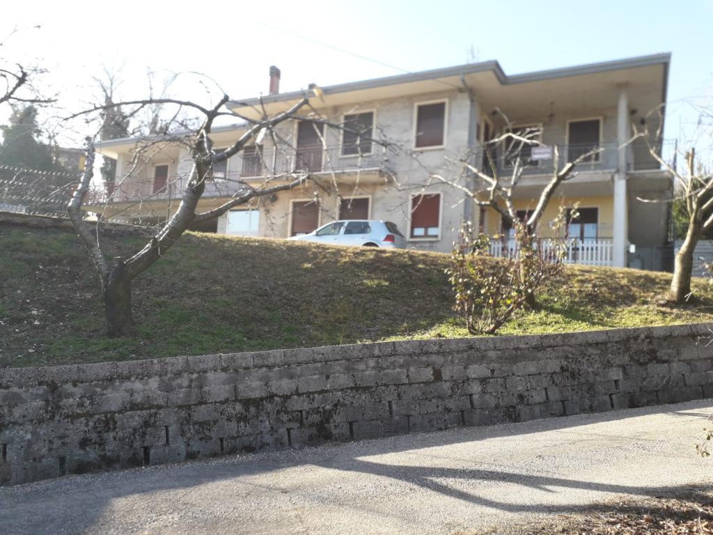 Appartamento in vendita a Vestenanova, 6 locali, zona Zona: Vestenavecchia, prezzo € 90.000   CambioCasa.it