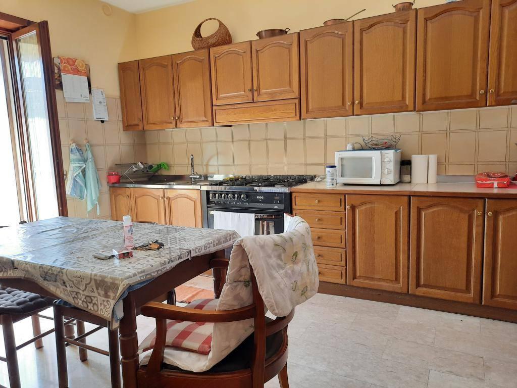 Appartamento in vendita a San Giovanni Ilarione, 5 locali, prezzo € 125.000 | CambioCasa.it