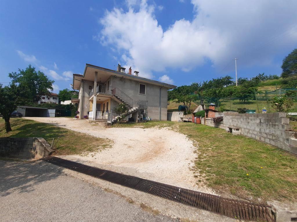 Appartamento in vendita a Vestenanova, 6 locali, zona Zona: Vestenavecchia, prezzo € 85.000 | CambioCasa.it