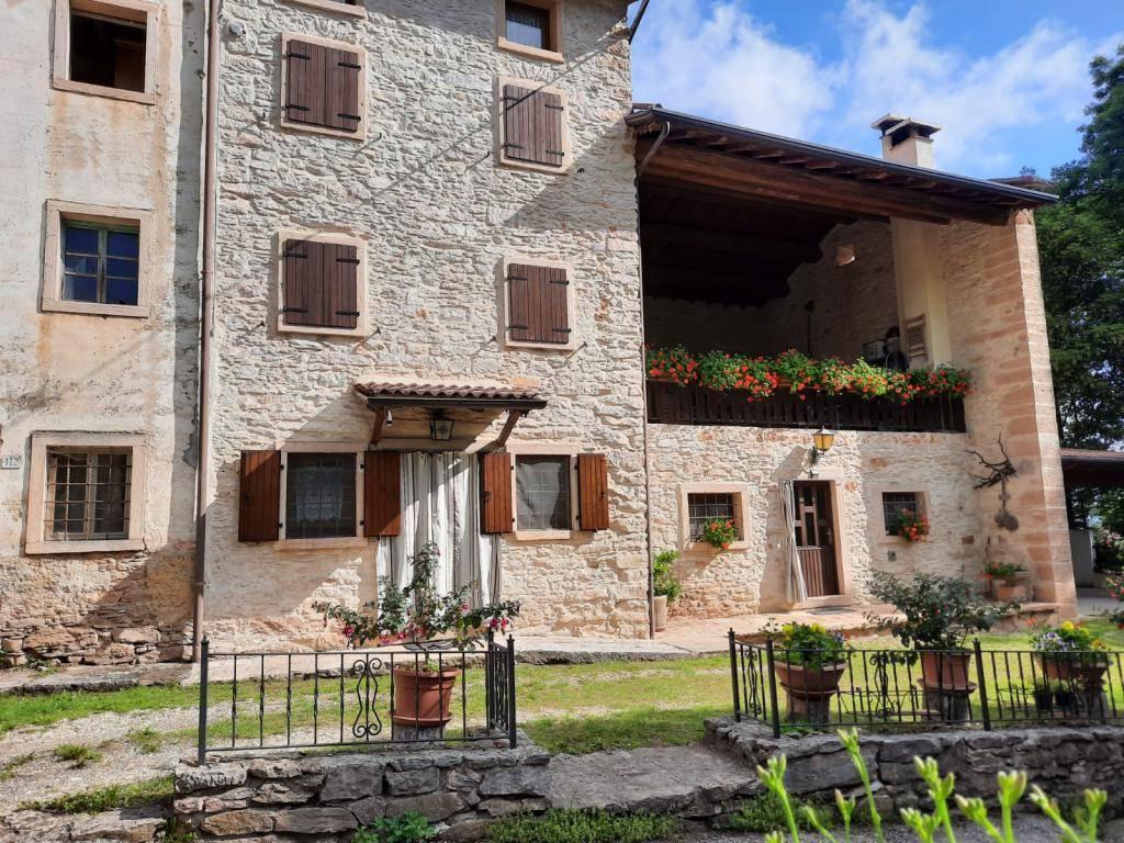 Rustico / Casale in vendita a Selva di Progno, 5 locali, prezzo € 178.000 | CambioCasa.it