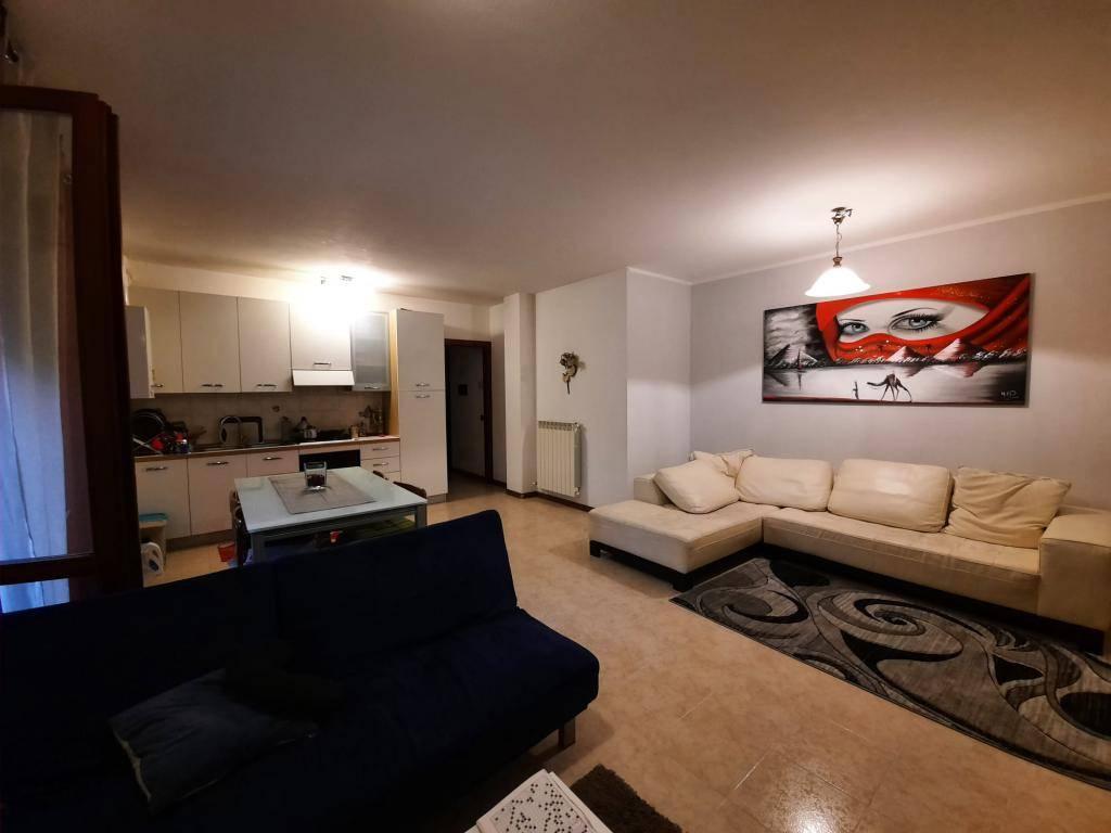 Appartamento in vendita a Montecchia di Crosara, 4 locali, prezzo € 73.500 | CambioCasa.it