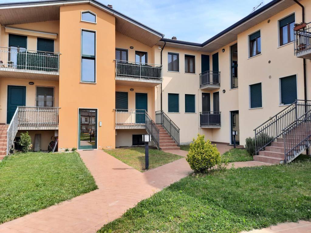 Appartamento in vendita a Monteforte d'Alpone, 4 locali, prezzo € 135.000 | CambioCasa.it