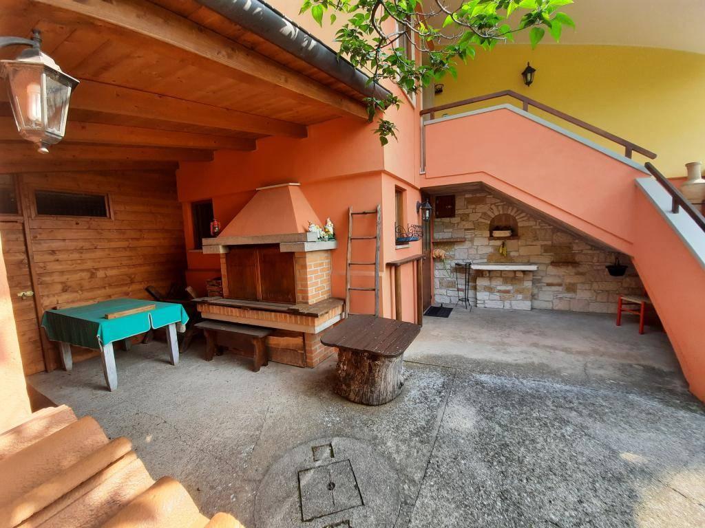 Soluzione Indipendente in vendita a Vestenanova, 12 locali, prezzo € 380.000 | CambioCasa.it