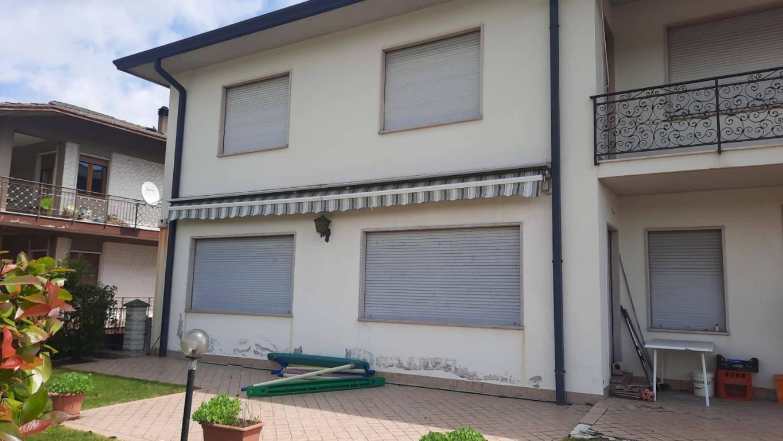 Soluzione Indipendente in vendita a Montecchia di Crosara, 10 locali, prezzo € 380.000 | CambioCasa.it