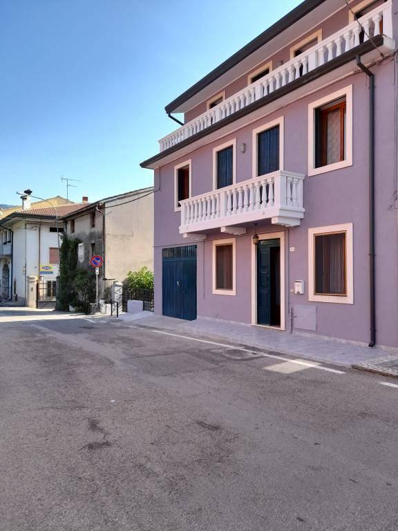 Soluzione Indipendente in vendita a Montecchia di Crosara, 6 locali, prezzo € 190.000 | CambioCasa.it