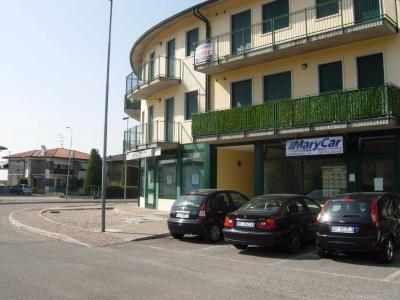 Locale commerciale in Affitto a Roncà