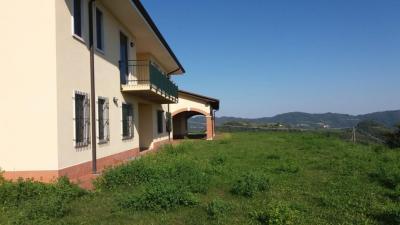 casa indipendente in Vendita a Vestenanova