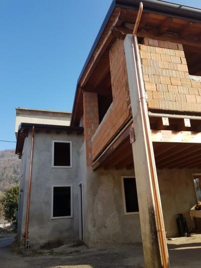 Casa di corte in Vendita a Montecchia di Crosara
