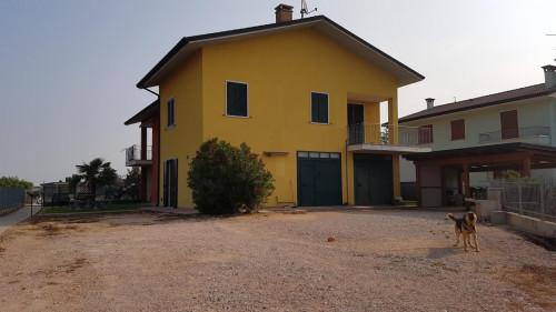 casa indipendente in Vendita a Albaredo d'Adige