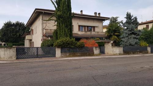 Attività commerciale in Vendita a Ronco all'Adige