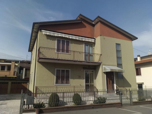 casa singola in Vendita a San Bonifacio