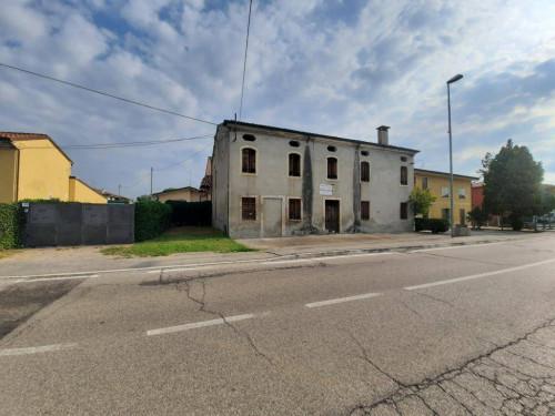 porzione di casa in Vendita a Veronella