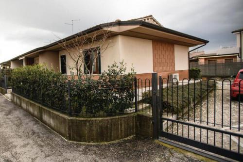 casa bifamiliare in Vendita a Arcole