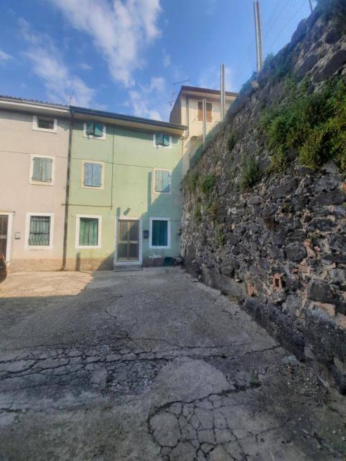 Rustico in Vendita a Monteforte d'Alpone