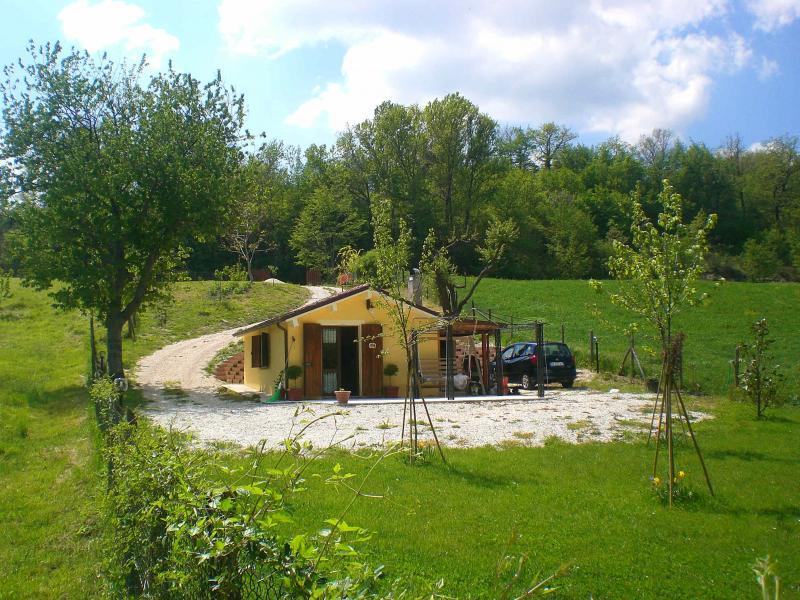 Rustico / Casale in vendita a Fabriano, 1 locali, zona Località: FRAZIONI, Trattative riservate | Cambio Casa.it