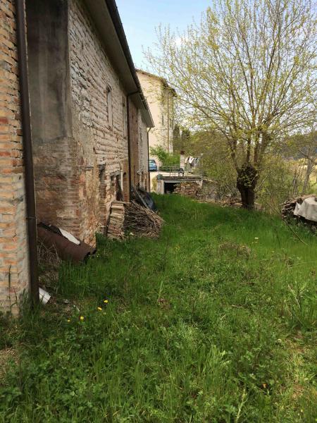 Rustico / Casale in vendita a Genga, 15 locali, prezzo € 45.000   Cambio Casa.it