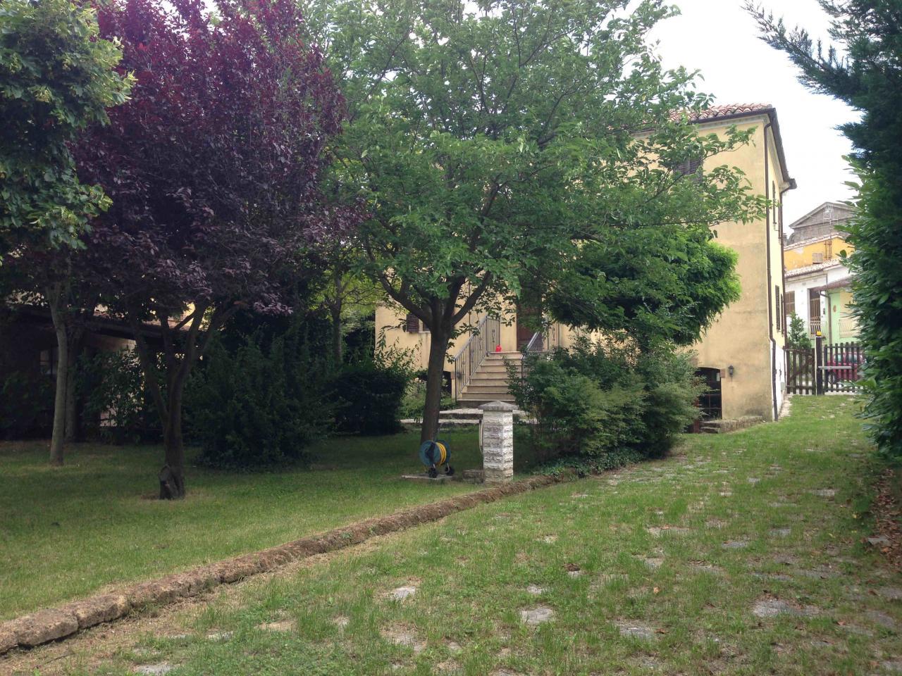 Soluzione Indipendente in vendita a Sassoferrato, 5 locali, Trattative riservate   CambioCasa.it