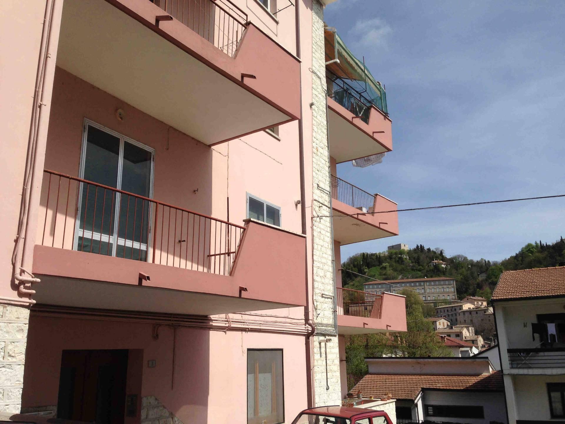 Appartamento in vendita a Sassoferrato, 7 locali, prezzo € 90.000 | Cambio Casa.it