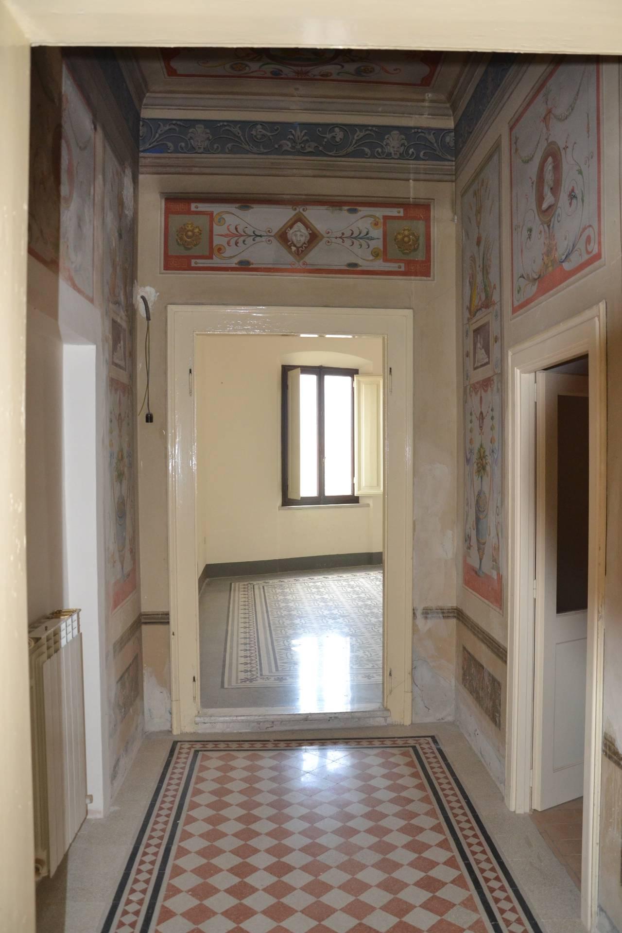Appartamento in vendita a Fabriano, 5 locali, zona Località: CENTROSTORICO, Trattative riservate   CambioCasa.it
