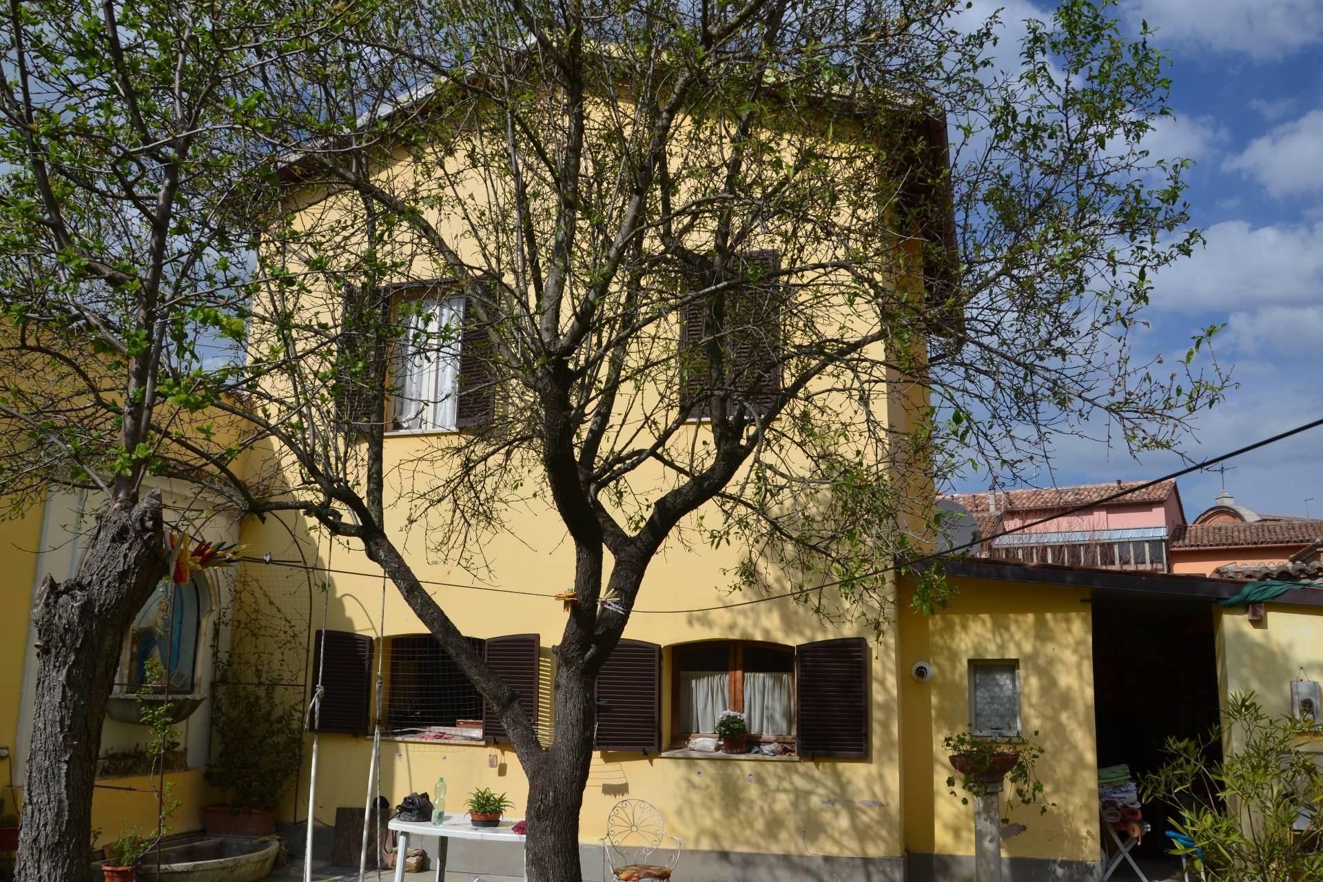 Soluzione Indipendente in vendita a Fabriano, 3 locali, zona Località: CENTROSTORICO, Trattative riservate | Cambio Casa.it