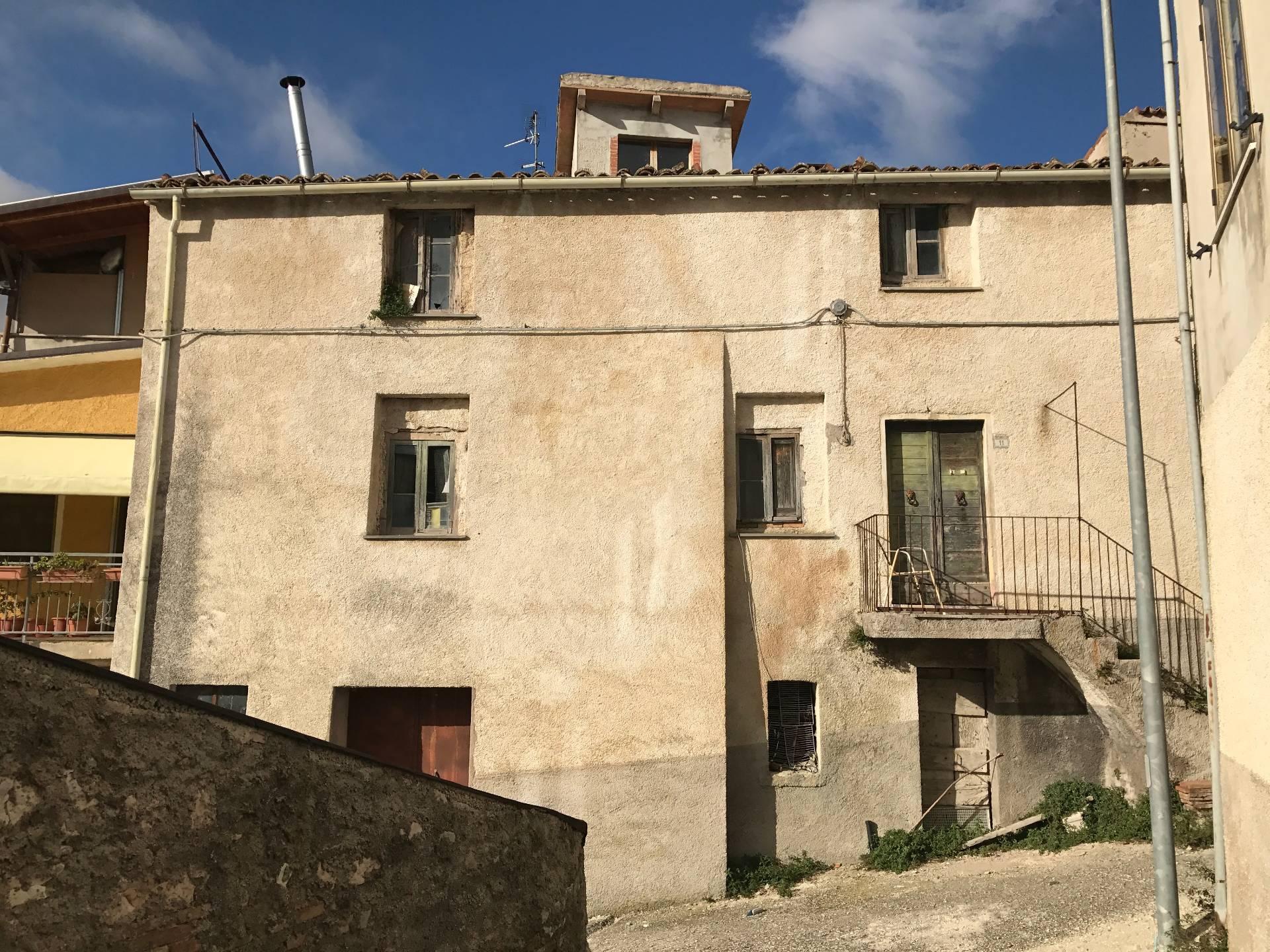 Soluzione Indipendente in vendita a Sassoferrato, 7 locali, prezzo € 30.000   CambioCasa.it