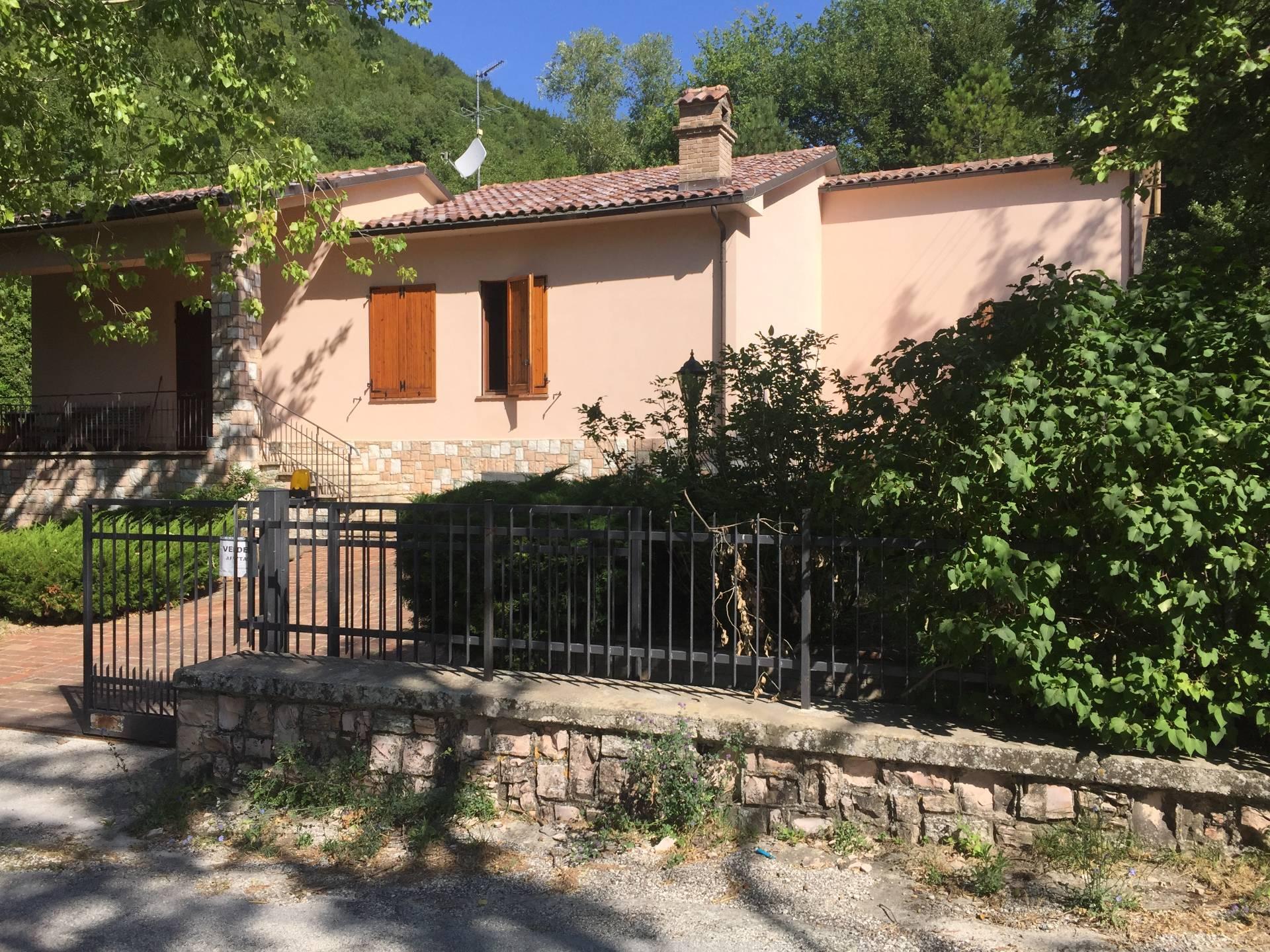 Soluzione Indipendente in vendita a Sassoferrato, 5 locali, prezzo € 110.000 | CambioCasa.it