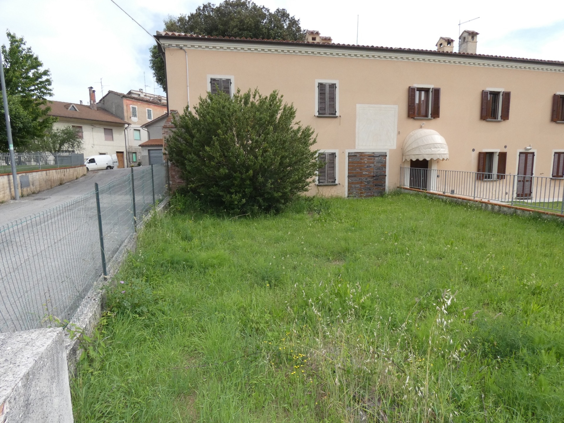 Soluzione Indipendente in vendita a Fabriano, 9 locali, zona Località: FRAZIONI, prezzo € 120.000 | CambioCasa.it