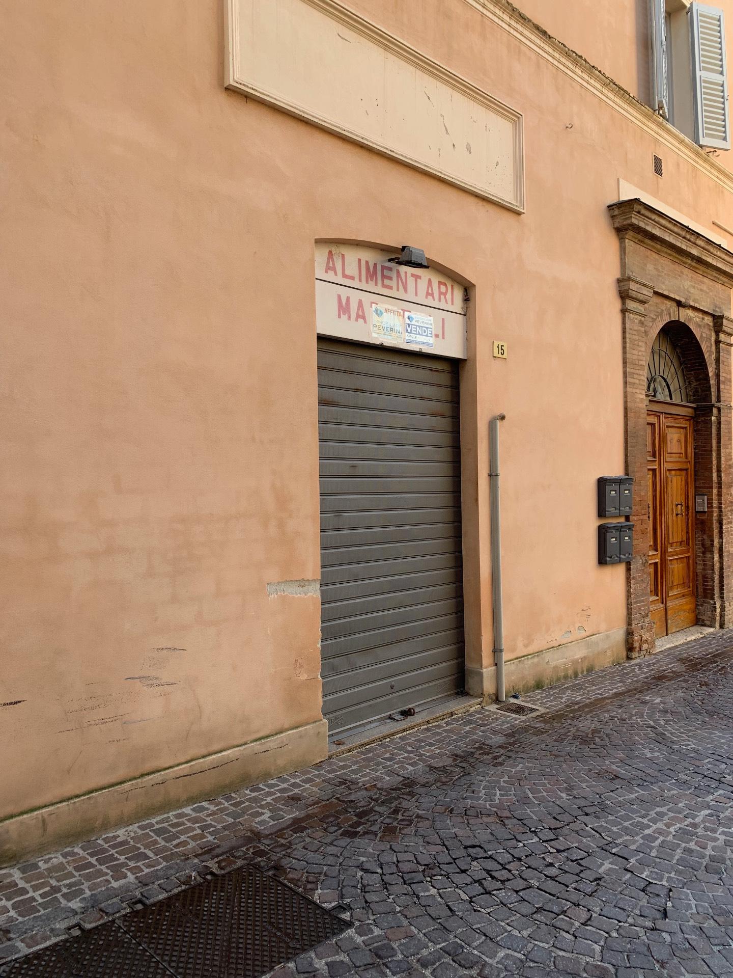 Negozio / Locale in affitto a Fabriano, 9999 locali, prezzo € 40.000 | CambioCasa.it